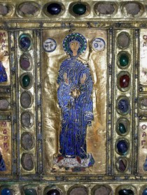 """Particolare della legatura bizantina della Biblioteca Nazionale Marciana restaurata nell'ambito del progetto """"Salviamo un codice""""."""