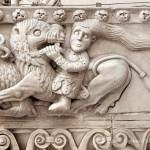 Cattedrale di San Lorenzo a Genova - Sansone smascella il leone
