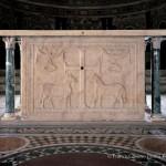 Altare marmoreo (San Vitale)
