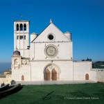 La facciata della Basilica di San Francesco ad Assisi