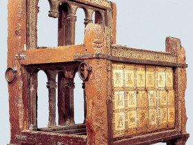 La vera storia della Cattedra di san Pietro, Folia Magazine, Medioevo